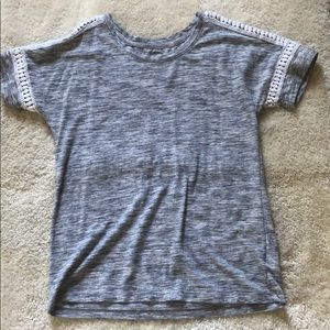 Old navy detailed tee